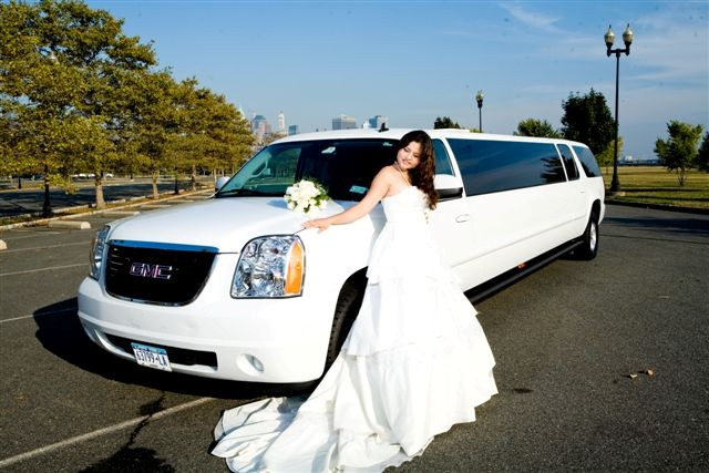 Top Tips For Choosing A Wedding Limousine